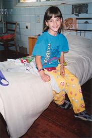 Anna - Samira im Krankenhaus in Kanew September 2001